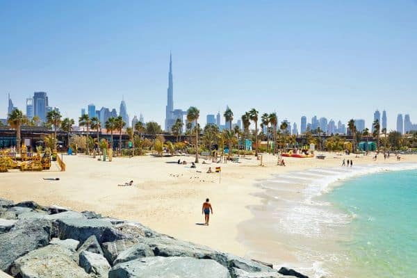 Plage la mer à Dubaï