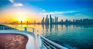 Dubaï vue d'un bateau